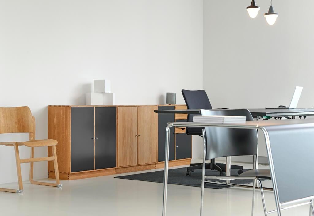 Рабочее место в стиле минимализм