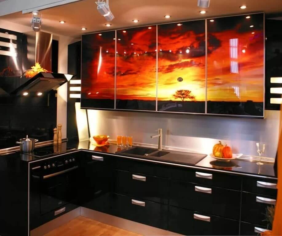 Стильное сочетание цветов - черно-оранжевая кухня