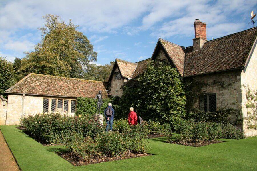 Роскошный загородный дом в кантри стиле