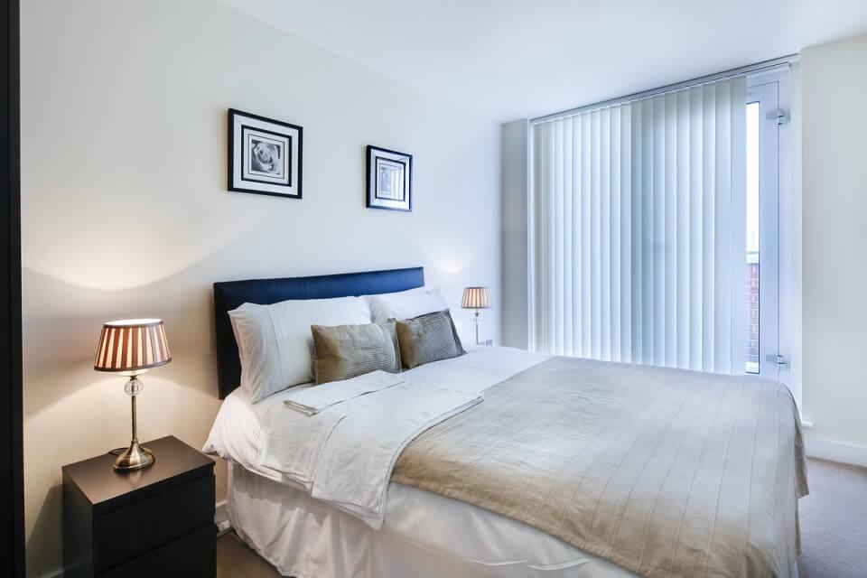 Аскетичная спальня в стиле минимализм
