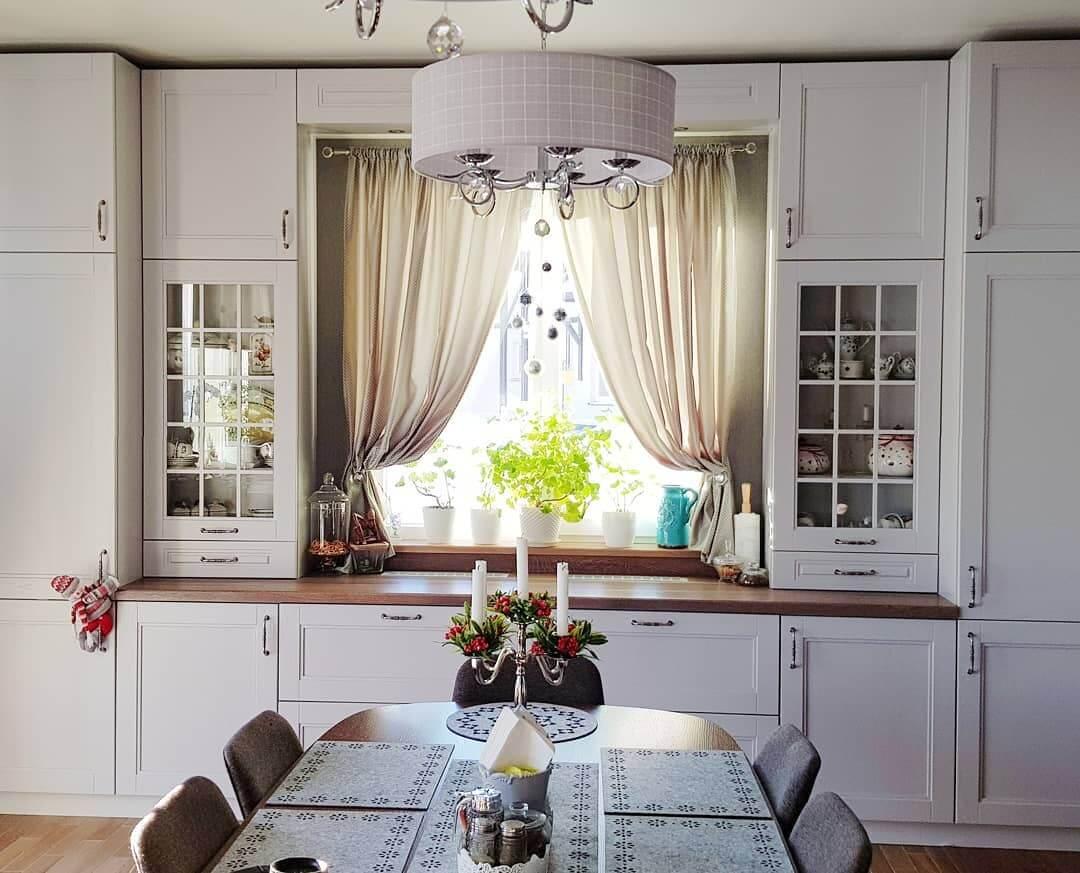 хлопковые шторы в кухне эко стиля