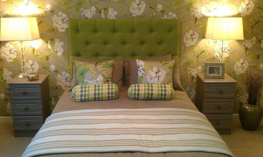зеленые отттенки в маленькой спальне