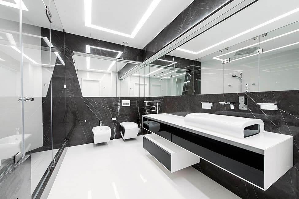 Технологичная ванная в стиле хай-тек