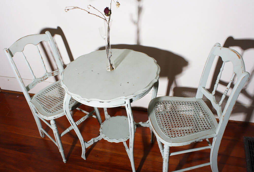 Потертая мебель в стиле шебби-шик