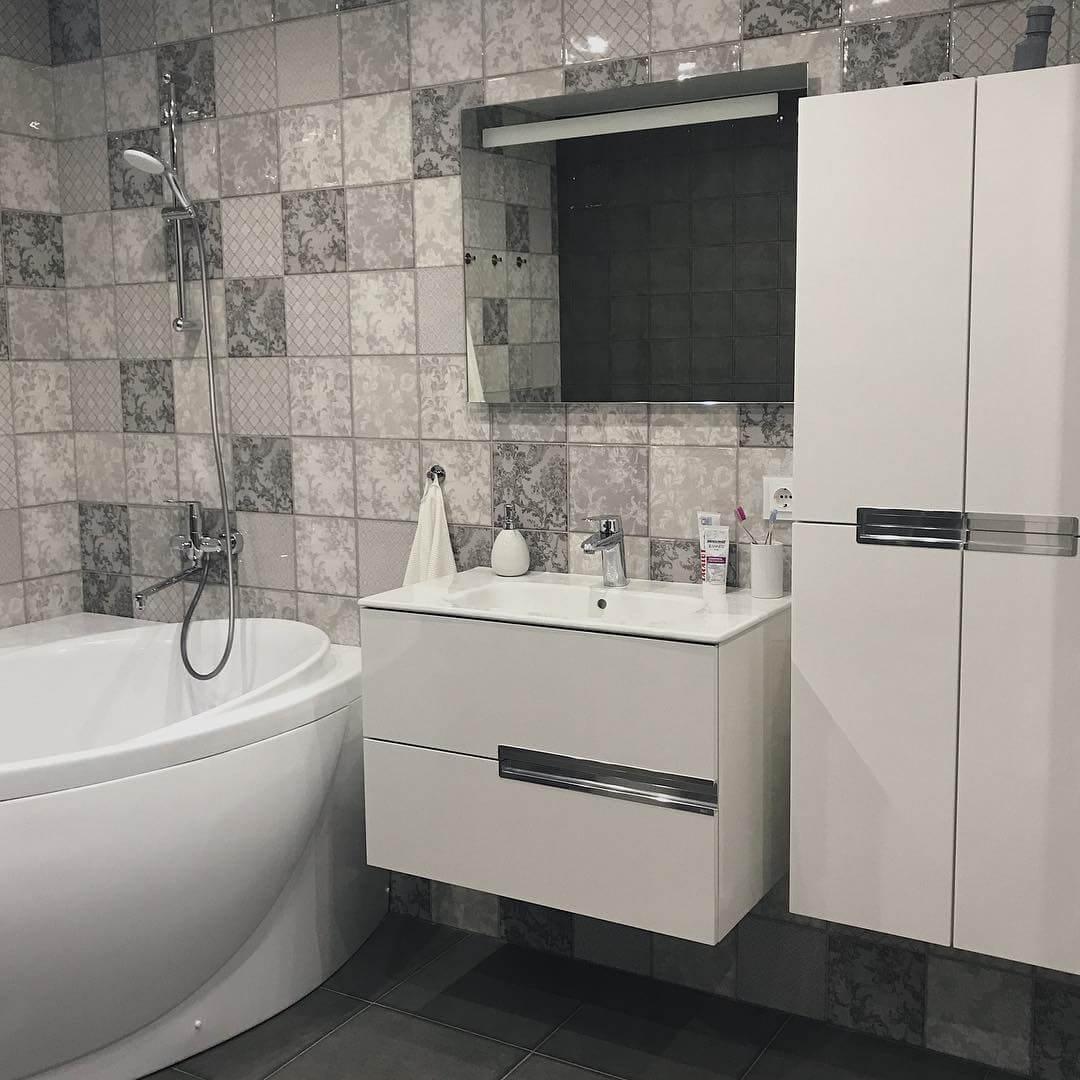 Дизайн бело-серой ванной комнаты