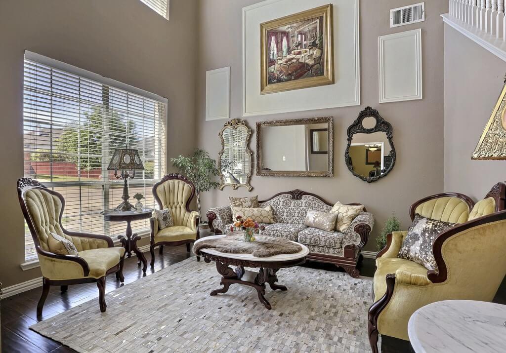 Классический интерьер в гостиной