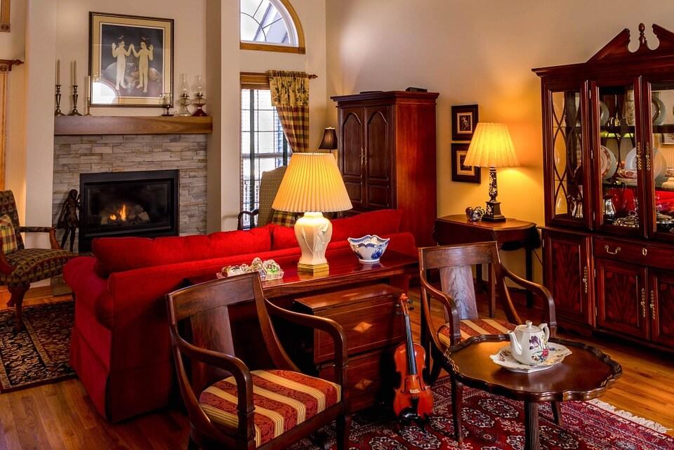 Классическая гостиная с уютной мебелью