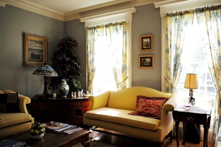 Кантри-интерьер комнаты