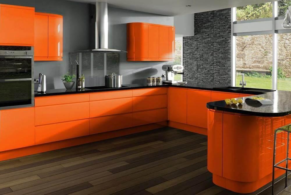 фото оранжевой кухни
