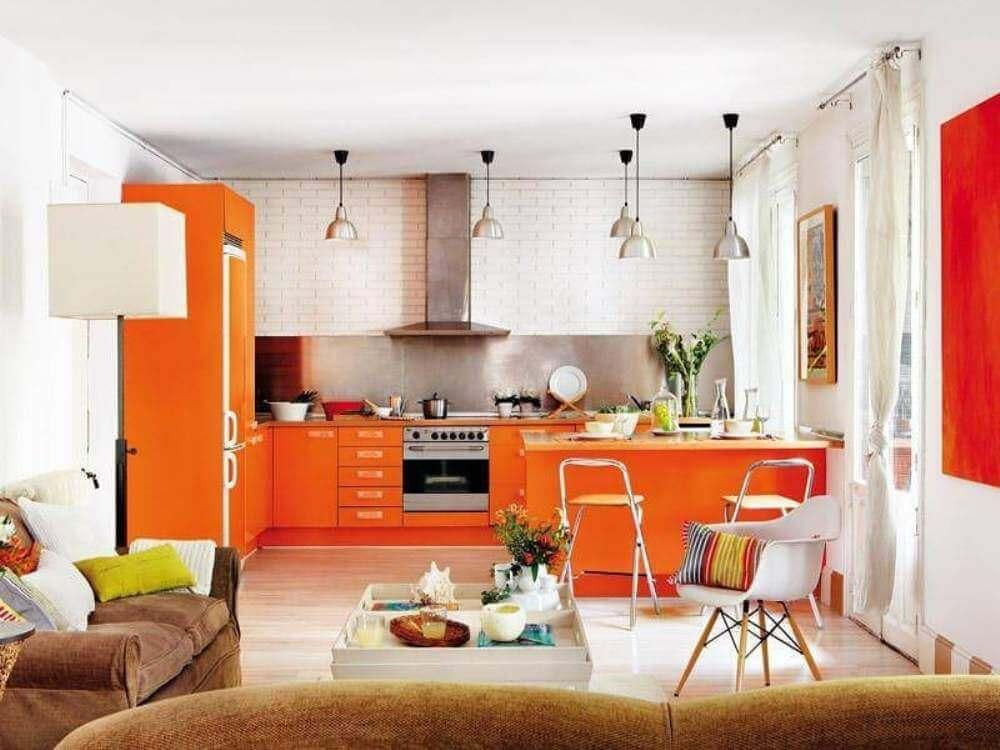 Фото оранжевой кухни в интерьере