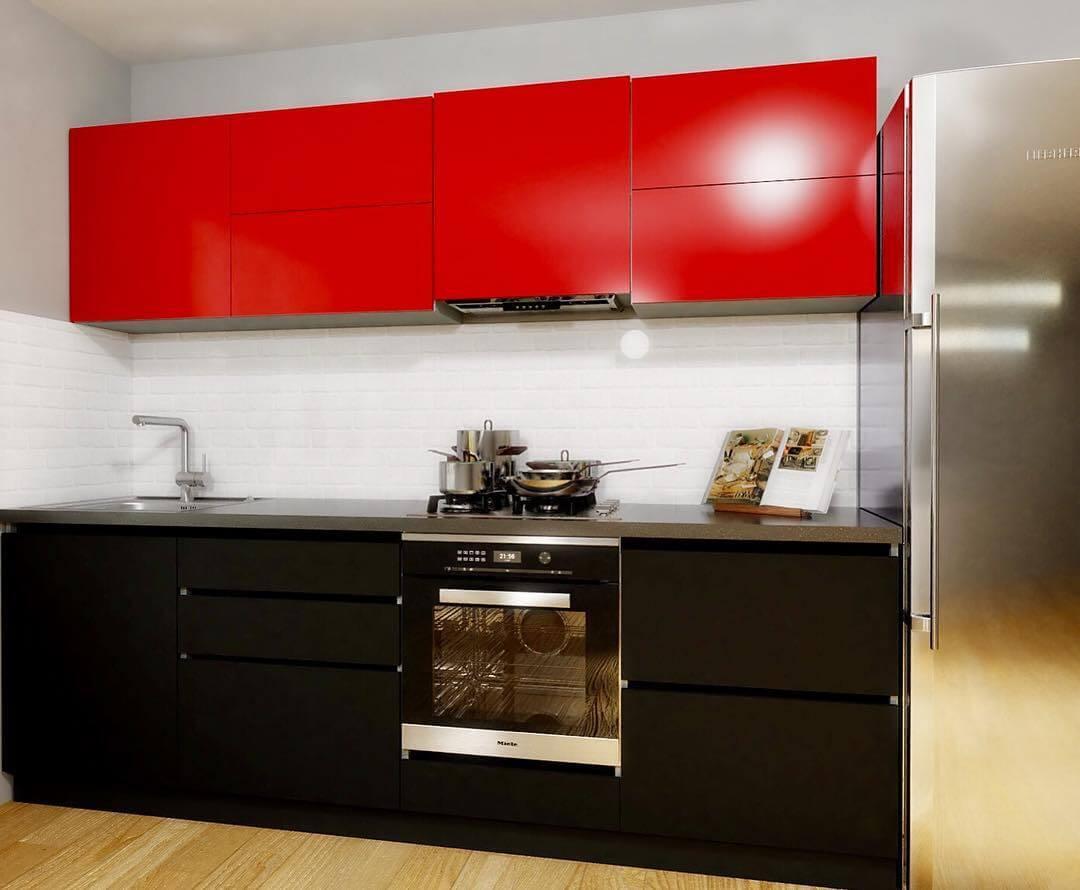 красно-белая кухня с коричневым и серым