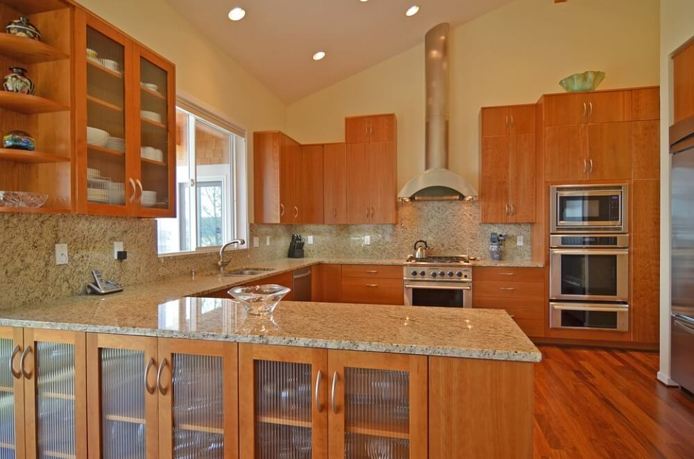 Фото кухни в оранжевом цвете