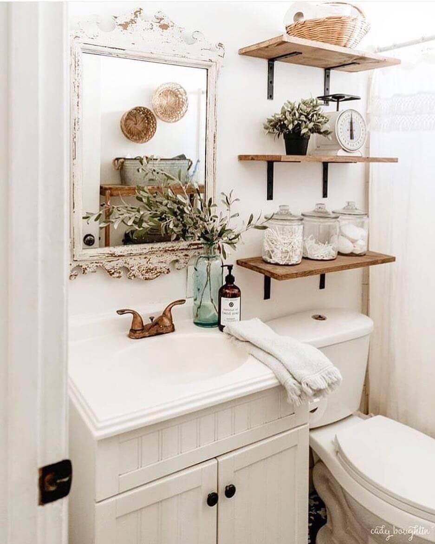 Кантри-интерьер в ванной комнате