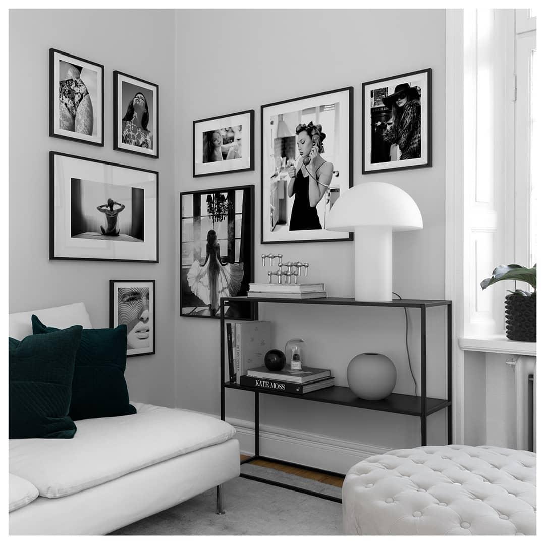 черно белые постеры фотографии в интерьере советы логастер