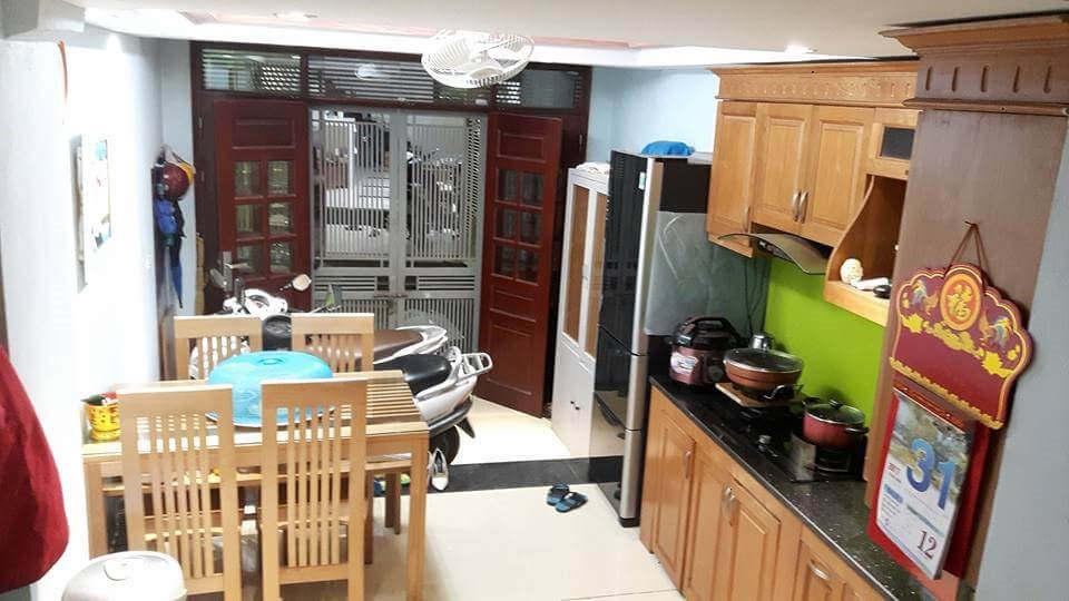 фартук фисташкового цвета в интерьере кухни