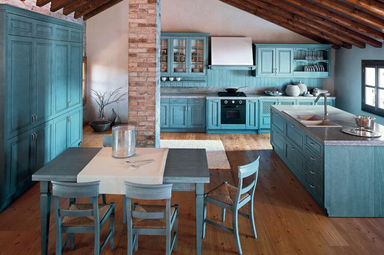 кухня в белых и бежевых тонах в стиле лофт